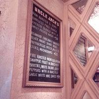 รูปภาพถ่ายที่ Uncle Jack's Steakhouse โดย Andrey Y. เมื่อ 5/12/2013