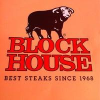 Das Foto wurde bei Block House von Ottarr G. am 9/3/2012 aufgenommen