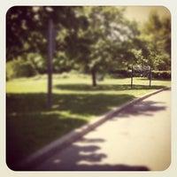 5/19/2012 tarihinde Anna Z.ziyaretçi tarafından Cedarvale Park'de çekilen fotoğraf