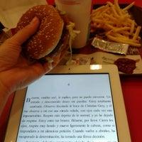 Foto tirada no(a) McDonald's por Carolina J. em 6/13/2013