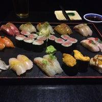 Foto tomada en Sushi Yasaka por Michelle C. el 5/22/2014