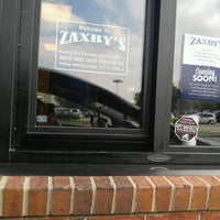 Photo taken at Zaxby's Chicken Fingers & Buffalo Wings by Page P. on 10/11/2016