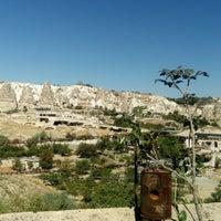 Foto diambil di Sos Cave Hotel oleh Mehmet D. pada 9/18/2016