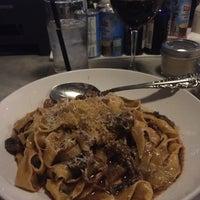 Foto tomada en Bar Siena por Ryan B. el 10/18/2017