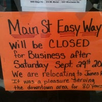 Photo taken at Easy Way by Elle on 9/28/2012