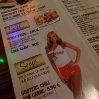 Photo taken at Hooters by hataratti on 11/2/2012
