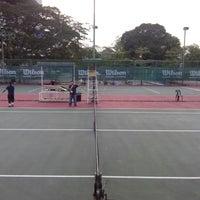 Photo taken at Gelanggang Tennis Tasik Titiwangsa by Haini Eszuandi H. on 9/16/2013