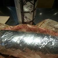 Foto scattata a Chipotle Mexican Grill da Melvin M. il 12/3/2014
