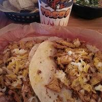 Foto tirada no(a) Torchy's Tacos por Melvin M. em 5/3/2014