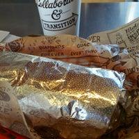 Foto scattata a Chipotle Mexican Grill da Melvin M. il 1/8/2017