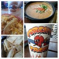 Foto tirada no(a) Torchy's Tacos por Melvin M. em 4/21/2014