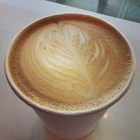 Снимок сделан в Au Breve Espresso пользователем Lisa K. 5/2/2013