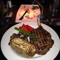 Das Foto wurde bei The Keg Steakhouse + Bar von Patrick C. am 11/26/2012 aufgenommen