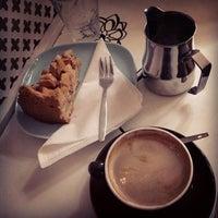 Foto tirada no(a) Sweet Cup por Yogi A. em 9/25/2013