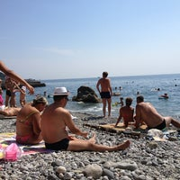 Photo taken at Алупка. Пляж МОУ by Борис А. on 8/25/2013