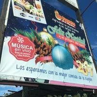 รูปภาพถ่ายที่ La Fogata De La Nopalera โดย J Ignacio A. เมื่อ 12/20/2016
