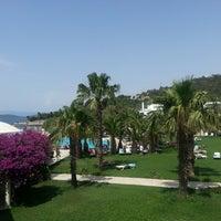 Photo prise au Samara Hotel par Arzu K. le6/15/2013