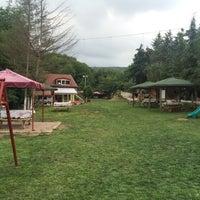 รูปภาพถ่ายที่ Polonezköy Yıldız Piknik Parkı โดย Özgür K. เมื่อ 6/26/2016