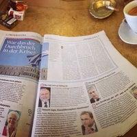 Das Foto wurde bei La Piazza Cafe Bar von Arno P. am 2/22/2015 aufgenommen