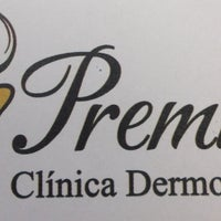 Photo taken at Premium Clínica Dermo Esthetic by Adriana H. on 5/20/2013