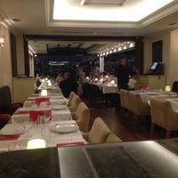 5/13/2013 tarihinde Ahmet A.ziyaretçi tarafından Circle Restaurant & Cafe'de çekilen fotoğraf