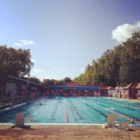 Photo prise au London Fields Lido par Lee C. le8/23/2014