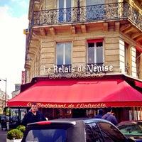 Photo taken at Le Relais de Venise by Abdullah G. on 4/22/2014