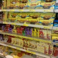 Foto tirada no(a) Supermercado Favorito por Jessica L. em 5/14/2013