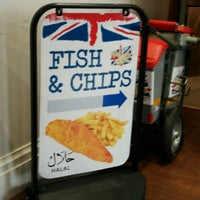 Photo taken at Great British Fish & Chips by Dini U. on 11/29/2017