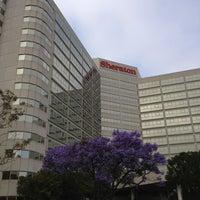 Photo taken at Sheraton Gateway Los Angeles Hotel by Yulia K. on 6/2/2013
