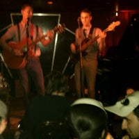 Photo prise au Manderley Bar at the McKittrick Hotel par Ashley B. le5/14/2013