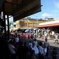 Photo taken at Mercado Hidalgo by Gustavo J. on 9/27/2014