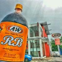 Photo taken at A&W by Ujang Kobau • V§ •™ on 9/27/2014