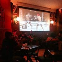Foto tirada no(a) The London Pub por Amanda A. em 11/16/2014