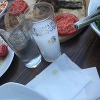 Photo prise au Filos Restaurant par Aslı Ç. le7/7/2018