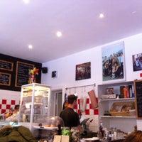 Das Foto wurde bei Bar Salumeria Sigismondo von Laura T. am 1/28/2014 aufgenommen