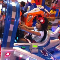 Photo taken at Game Station by Flavio A. on 8/5/2014
