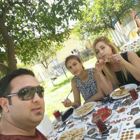 Photo taken at Osmanlı Kahvaltı Bahçesi / Ottoman Garden Breakfast by Melih A. on 5/8/2015
