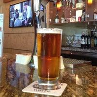 6/16/2013에 Scott R.님이 Alaska Lounge에서 찍은 사진