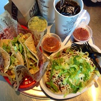 Photo taken at Chipotle Mexican Grill by Sugi W. on 9/22/2013