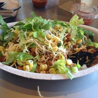 Photo taken at Chipotle Mexican Grill by Sugi W. on 4/11/2013