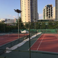 Photo taken at Hillside City Club Tennis Court by Haldun T. on 8/7/2016