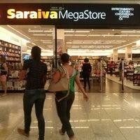 Photo taken at Saraiva Megastore by Renatinha N. on 5/31/2013