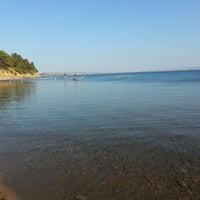 Photo taken at Hüseyin's Beach Clup by Ekin H. on 9/17/2013