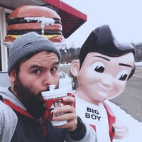 Photo taken at Frisch's Big Boy by Nathan K. on 12/31/2012