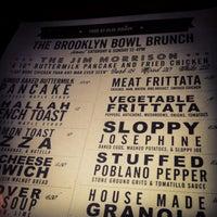 Photo prise au Blue Ribbon at Brooklyn Bowl par Lisa M. le6/2/2013