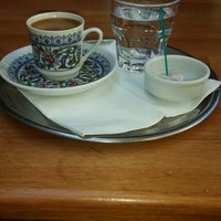Photo taken at Yeşilyurt Kahve by Glsh K. on 9/6/2013
