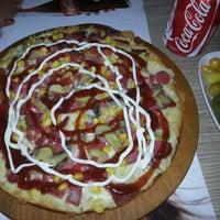 Foto tomada en Pizza Uno por Mesut C. el 9/5/2013