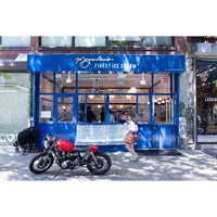 Photo prise au Morgenstern's Finest Ice Cream par LordoftheForks le6/8/2014