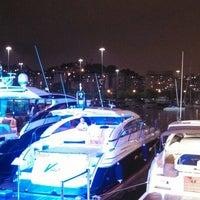 Foto tirada no(a) Rio Boat Club por Monica R. em 4/13/2014